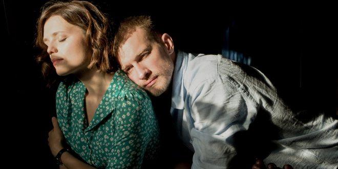 Петр Рыков и Елена Борозинец проживут «Много ненастных дней»